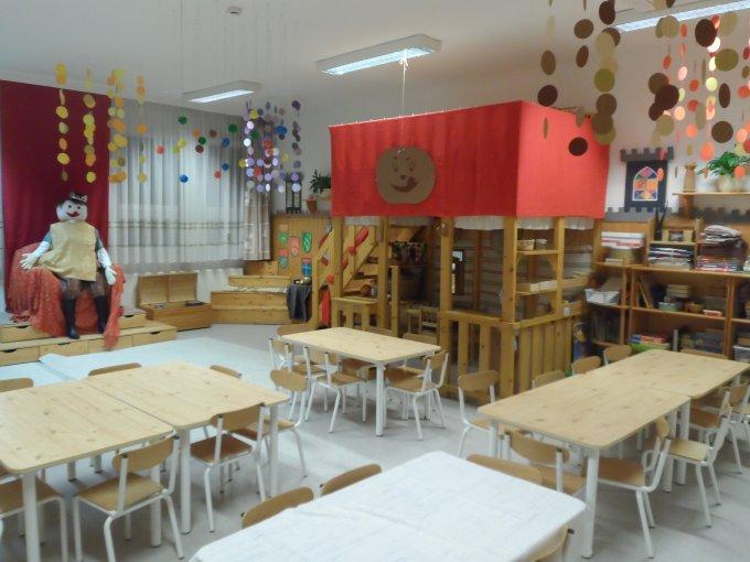 Lila csoportszoba