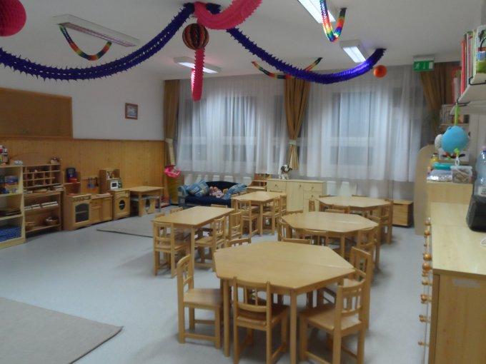 Barna csoportszoba