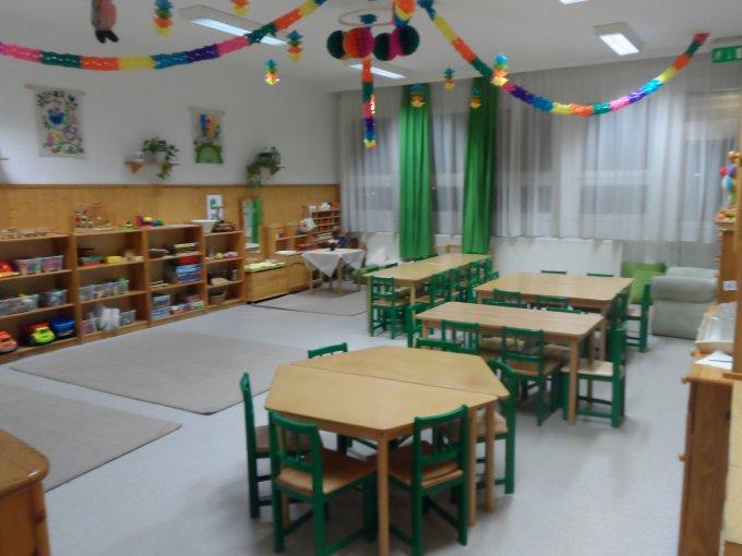 Zöld csoportszoba